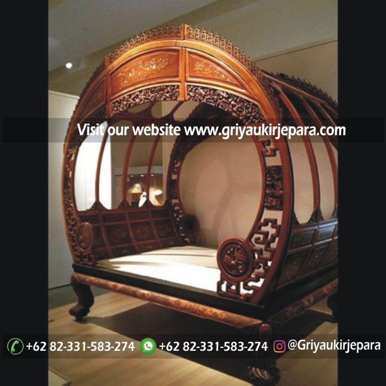 Tempat tidur jati model klasik kuno