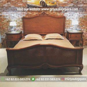 Tempat Tidur Klasik Kombinasi ROTAN BED 010