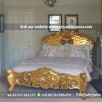tempat tidur rococo warna emas