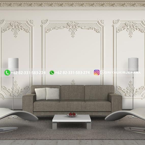 model backdrop dinding kayu
