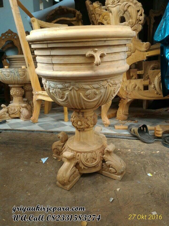 detail nakas temapt tidur raja - Kamar Set Mewah Raja Model Kapal