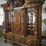 lemari pajangan jati antik