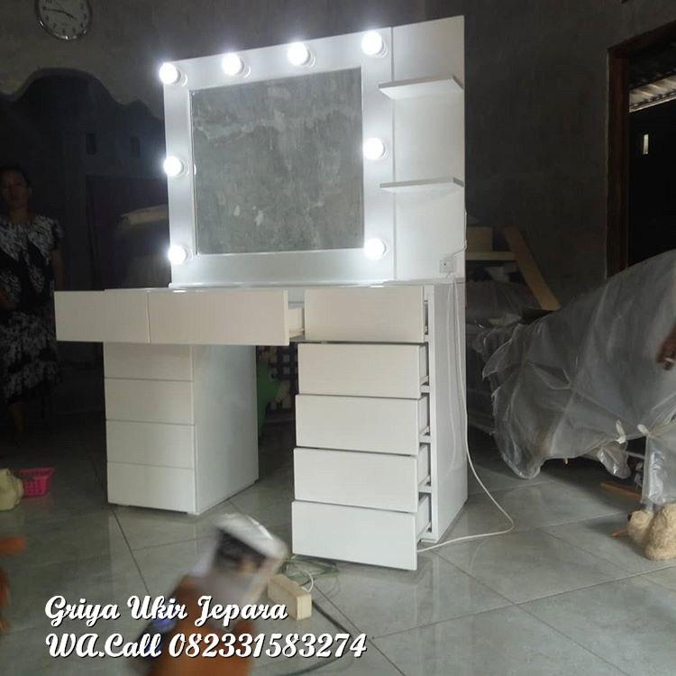 meja rias lampu duco putih