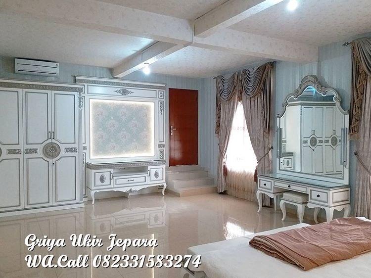 Meja Rias Modern warna putih