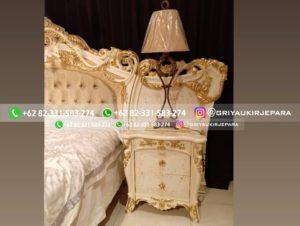 tempat tidur mewah 2 300x226 - Kamar Set jati Mewah Classic