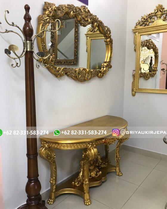 meja konsul klasik gold