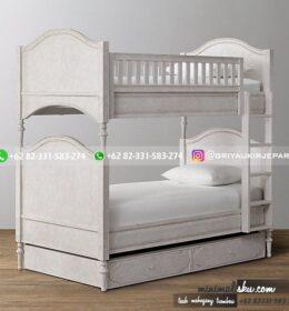Tempat Tidur Tingkat Kode 136