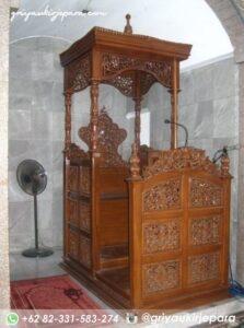 mimbar masjid ukiran jepara 1 223x300 - Mimbar Jati Ukiran Jepara Kode 055