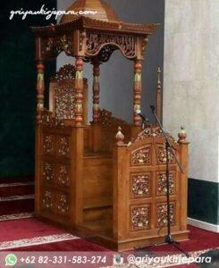 mimbar masjid ukiran jepara 4 245x300 - Mimbar Jati Ukiran Jepara Kode 050
