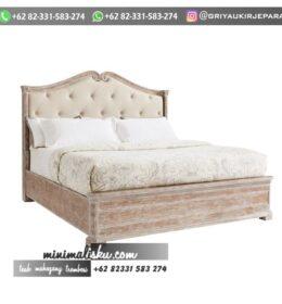 Desain Tempat Tidur Ukiran Simpel