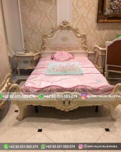 Tempat Tidur Mewah Jepara 240x300 - Tempat Tidur Mewah Jepara